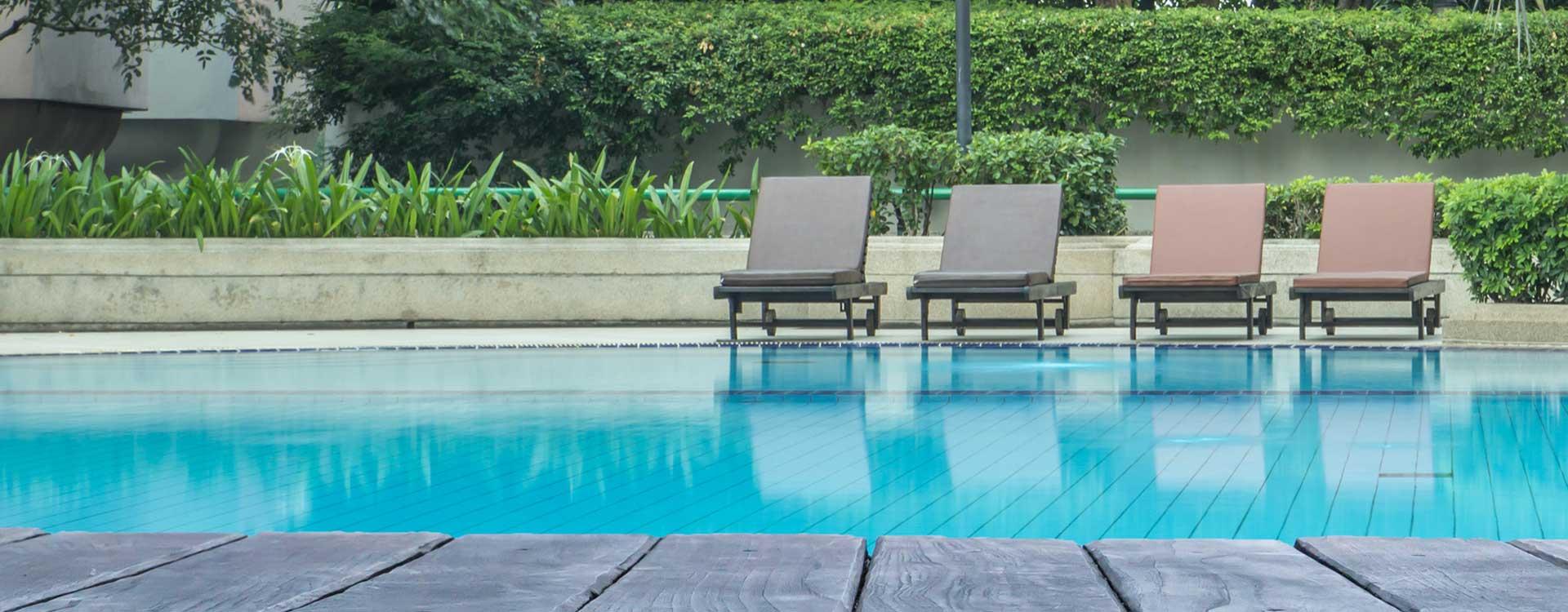 Construire piscine coque polyester